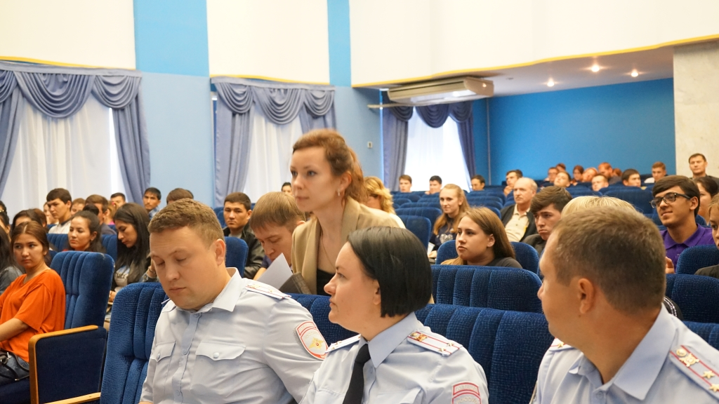 Meeting of foreign students with representatives of the Federal Migration Service of the Russian Federation in the Saratov region. Фото 2