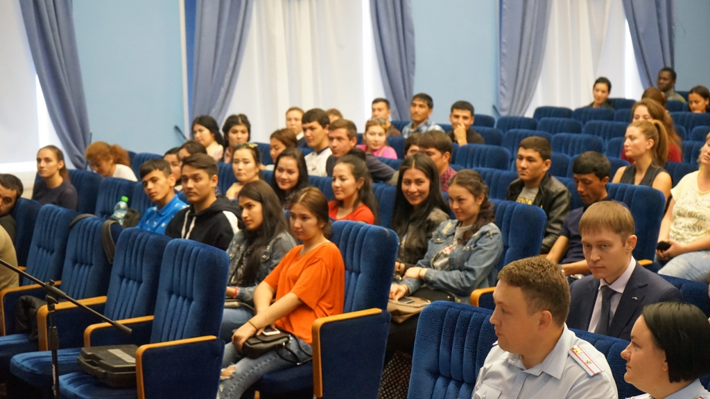 Meeting of foreign students with representatives of the Federal Migration Service of the Russian Federation in the Saratov region. Фото 3