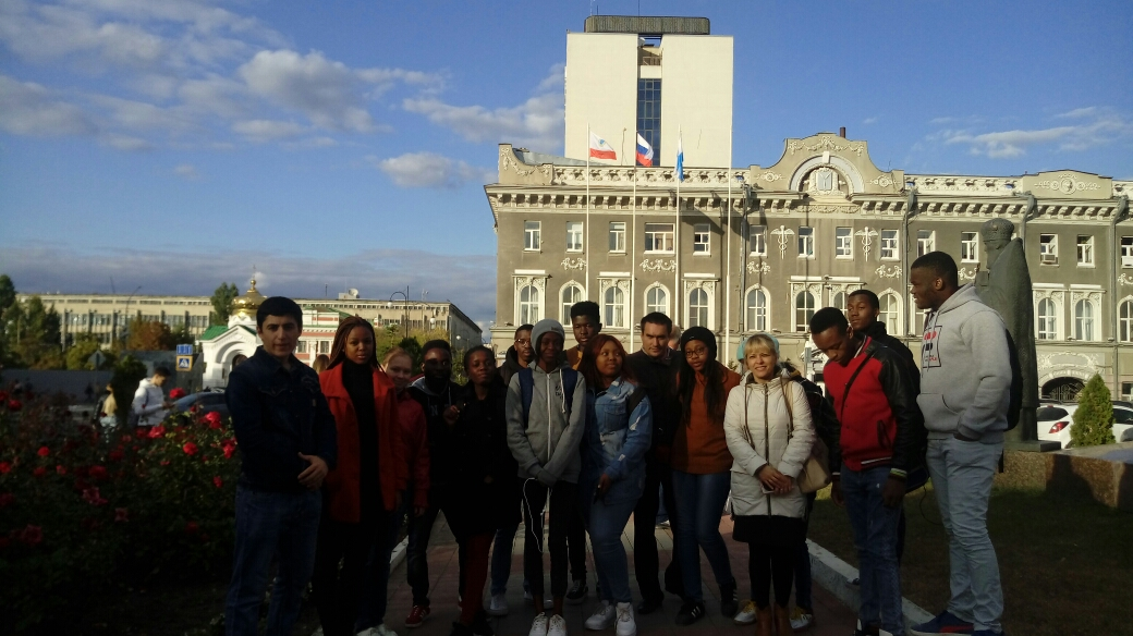 """Let's get acquainted!"". 1 year foreign students on a city tour"